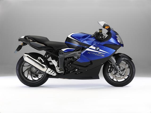 sportovní moto pneu
